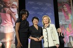 Guo Jianmei with Michelle Obama and Hillary Clinton